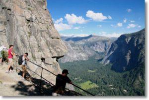 yosemite-falls-lookout-350